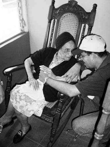 Guillermo Munguía, has a limitless heart and a special sensitivity to the elderly.